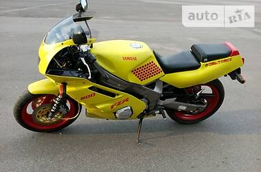 Yamaha FZR  1992