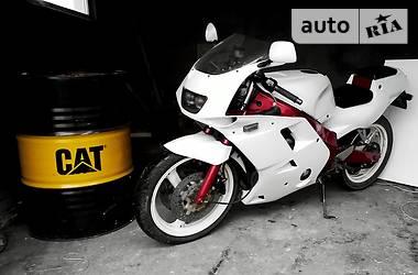 Yamaha FZR  2002