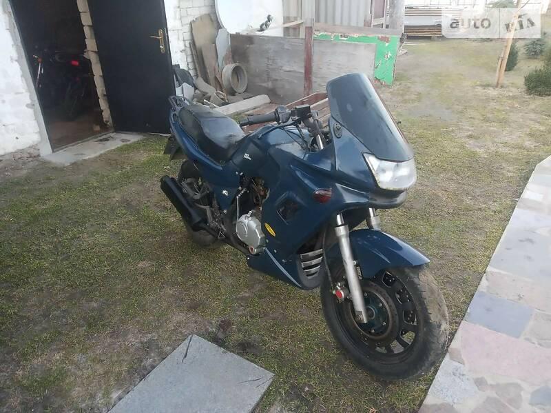 Yamaha FZS 200