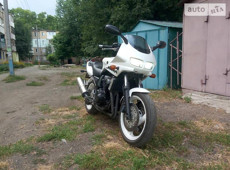 Yamaha FZS 600 Fazer