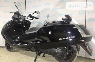 Yamaha Maxam  2011