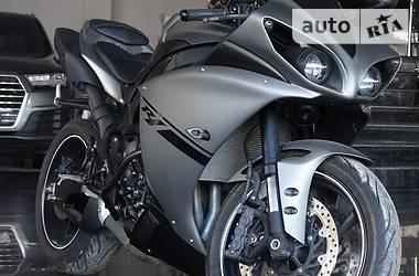 Yamaha R1 Limited 2010