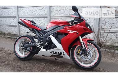 Yamaha R1  2006