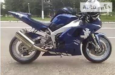 Yamaha R1  2001