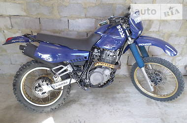 Yamaha XT  1990