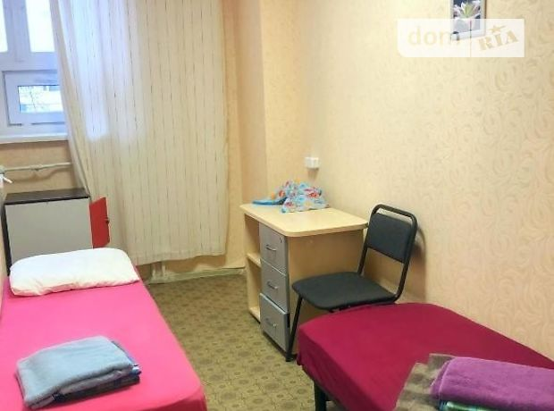 Кімната в Києві, район Дніпровський, Челябінська вулиця 5а, на добу фото 1