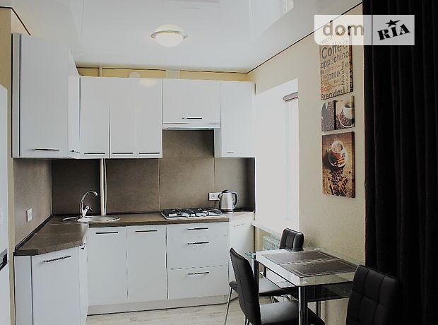 однокомнатная квартира в Артемовске, район Артемовск, на ул Мира 28, в аренду на короткий срок посуточно фото 1