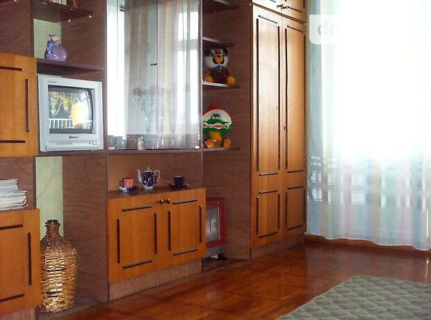 двухкомнатная квартира в Бердянске, район Центр, на улДюмина 69, в аренду на короткий срок посуточно фото 1