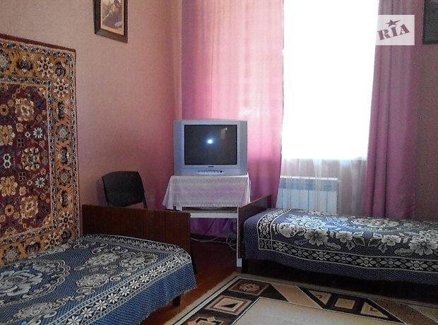 двухкомнатная квартира в Бердянске, район Центр, на Итальянская 42, в аренду на короткий срок посуточно фото 1