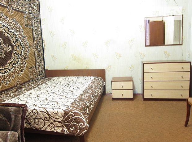 однокомнатная квартира в Черкассах, район Седова, на ул. Рождественская 40, в аренду на короткий срок посуточно фото 1