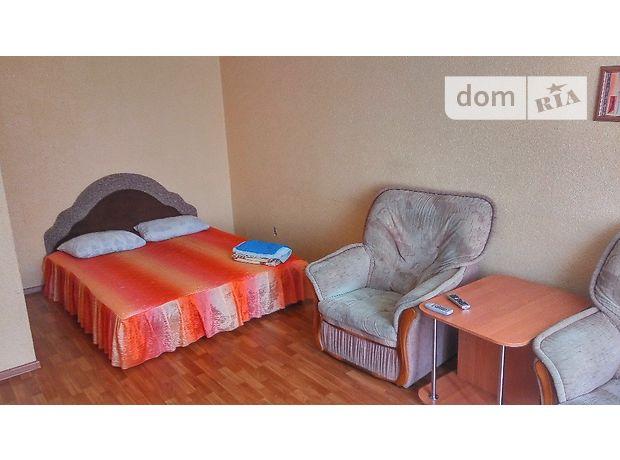 однокомнатная квартира в Черкассах, район Казбет, на Гоголя 137 в аренду на короткий срок посуточно фото 1