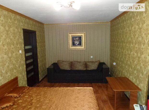 однокомнатная квартира в Черкассах, район Центр, на ул. Пионерская 17 в аренду на короткий срок посуточно фото 1
