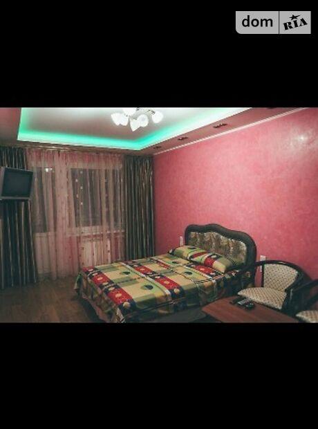 однокомнатная квартира в Чернигове, район Рокоссовского, на Всiхсвятська 16, в аренду на короткий срок посуточно фото 1
