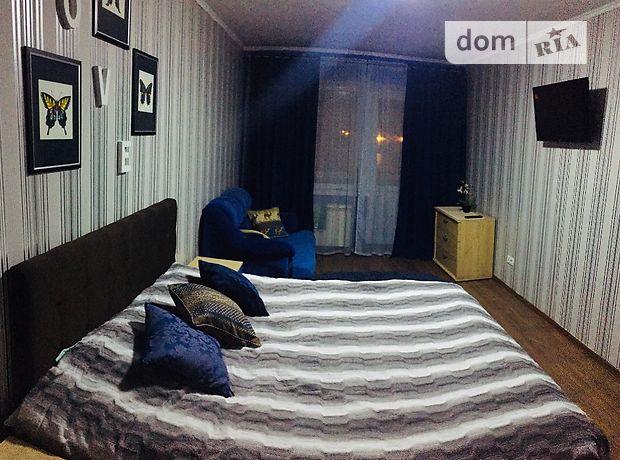 двокімнатна квартира в Чернігові, район Центр, на просп. Перемоги 90, в оренду на короткий термін подобово фото 1