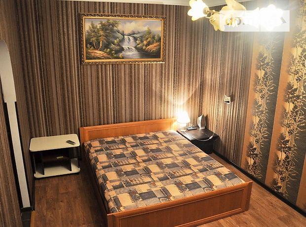 однокомнатная квартира в Чернигове, район Центр, на Проспект Победы 90 в аренду на короткий срок посуточно фото 1