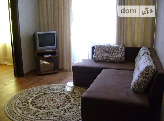 двухкомнатная квартира в Чернигове, район Центр, на Пр.Победы в аренду на короткий срок посуточно фото 1