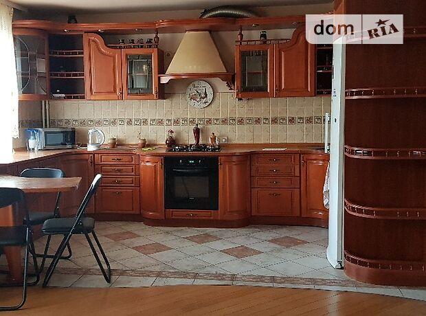 четырехкомнатная квартира в Черноморске, район Ильичевск, на ул. Парковая 36, в аренду на короткий срок посуточно фото 1