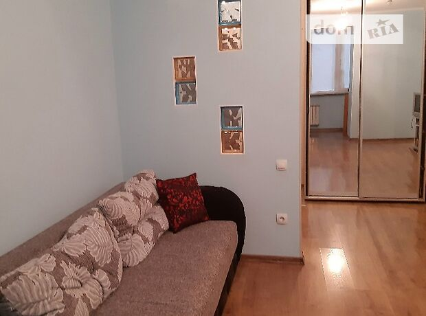 однокомнатная квартира в Черноморске, район Ильичевск, на Проспект Мира 8а, в аренду на короткий срок посуточно фото 1