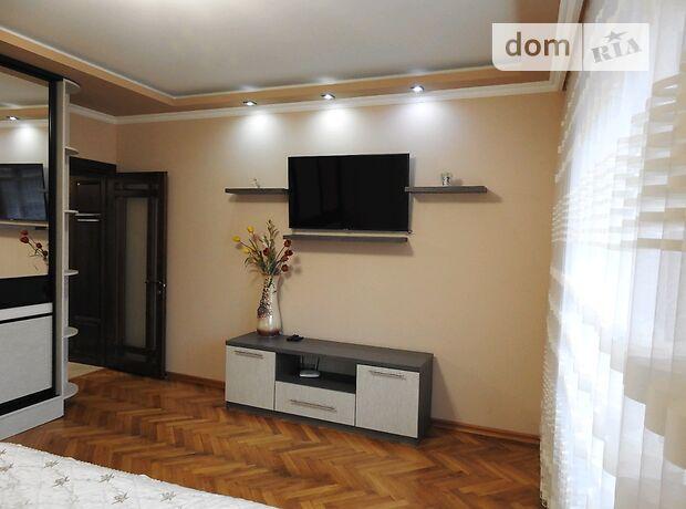 однокомнатная квартира в Черновцах, район Центр, на Школьный переулок 4 в аренду на короткий срок посуточно фото 1
