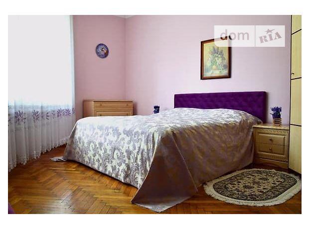 трехкомнатная квартира в Черновцах, на Черновцы в аренду на короткий срок посуточно фото 1
