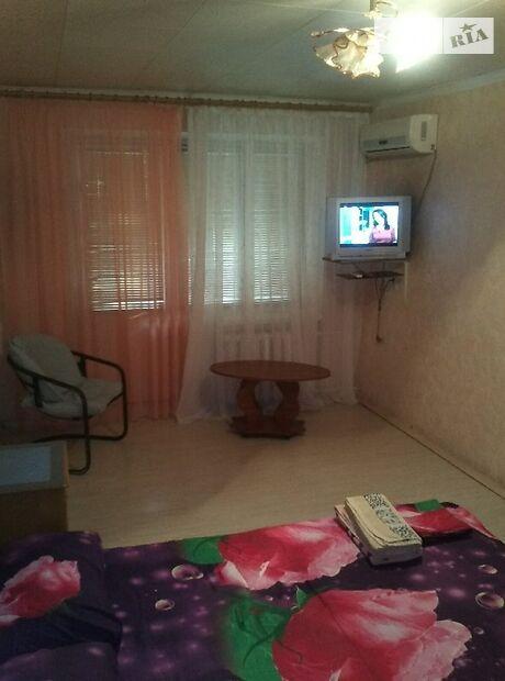 однокомнатная квартира в Днепре, район Мазепы, на ул. Выборгская 33 в аренду на короткий срок посуточно фото 1