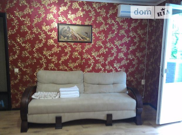 однокомнатная квартира в Днепропетровске, район Гагарина, на ул. Погребняка в аренду на короткий срок посуточно фото 1