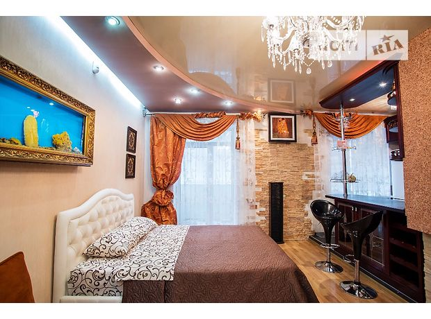 однокомнатная квартира в Днепропетровске, на ул. Комсомольская в аренду на короткий срок посуточно фото 1
