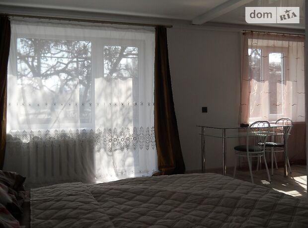 однокімнатна квартира в Дніпропетровську, на вул. Московська 27, в оренду на короткий термін подобово фото 1