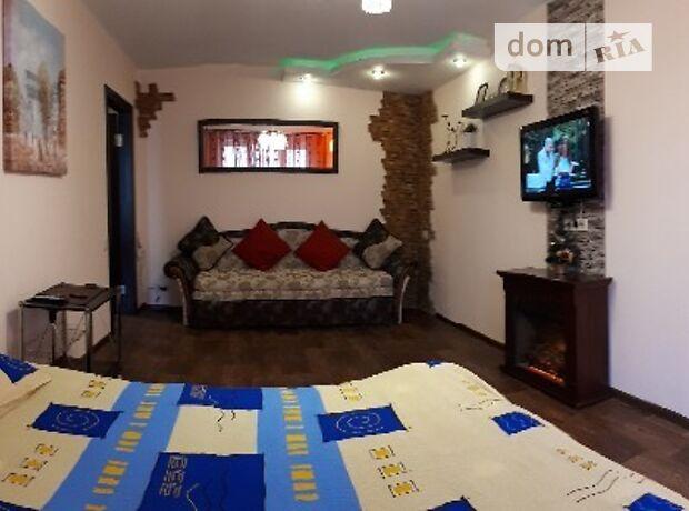 однокомнатная квартира в Днепре, район Соборный, на просп. Гагарина 5, в аренду на короткий срок посуточно фото 1