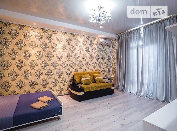 однокомнатная квартира в Днепре, район Соборный, на ул. Гоголя 6, в аренду на короткий срок посуточно фото 1