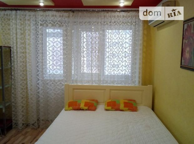 однокомнатная квартира в Донецке, район Ворошиловский, на 9 проспект Ілліча 9, в аренду на короткий срок посуточно фото 1
