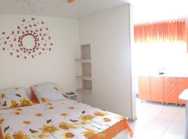 однокомнатная квартира в Хмельнике, район Хмельник, на Данила Нечая 3, в аренду на короткий срок посуточно фото 1