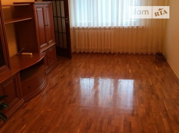 трехкомнатная квартира в Хмельницком, район Раково, на ул. Довженко 1, в аренду на короткий срок посуточно фото 1