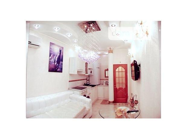двухкомнатная квартира в Ильичевске, район Ильичевск, на пер. Хантадзе, 4 в аренду на короткий срок посуточно фото 1