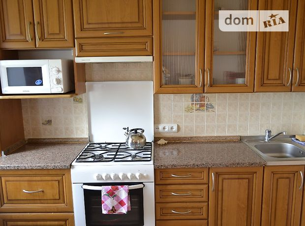 Аренда посуточная квартиры, 1 ком., Хмельницкая, Каменец-Подольский, проспект Грушевского, дом 56