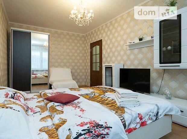 однокомнатная квартира в Киеве, район Дарницкий, на ул. Софии Русовой 3, в аренду на короткий срок посуточно фото 1
