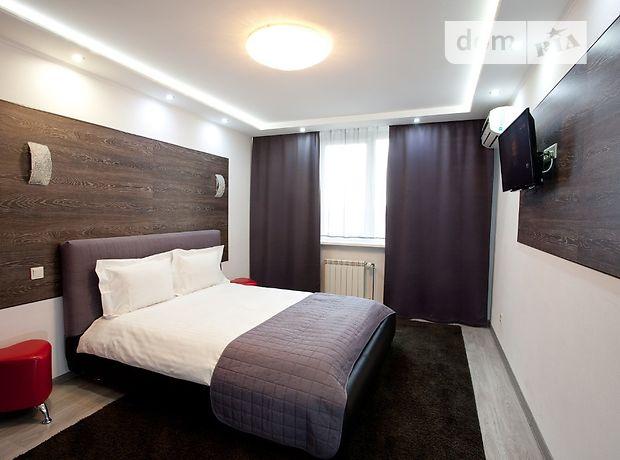 двухкомнатная квартира в Киеве, район Деснянский, на ул. Радунская в аренду на короткий срок посуточно фото 1
