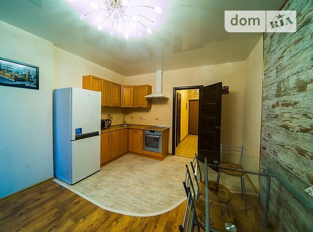 двухкомнатная квартира в Киеве, район Оболонский, на ул. Петра Калнышевского 7, в аренду на короткий срок посуточно фото 1
