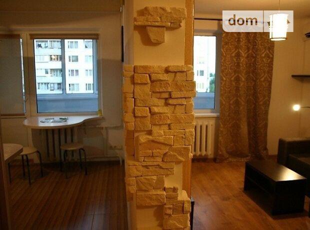 двухкомнатная квартира в Киеве, район Соломенский, на Урицкого, 30 в аренду на короткий срок посуточно фото 1