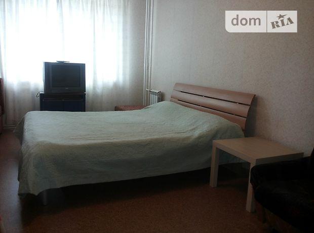 двухкомнатная квартира в Киево-Святошинске, район Крюковщина, на подольская 3, в аренду на короткий срок посуточно фото 1