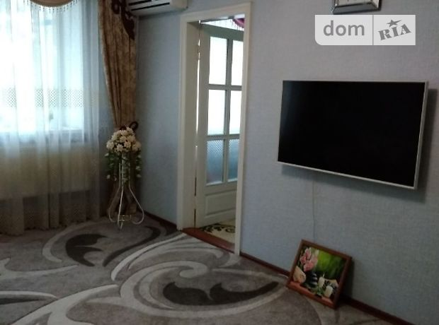 трехкомнатная квартира в Кировограде, район Подольский, в аренду на короткий срок посуточно фото 1