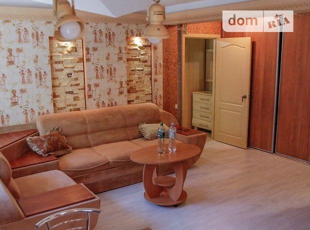 двухкомнатная квартира в Кировограде, на ул. Преображенская 10, в аренду на короткий срок посуточно фото 1