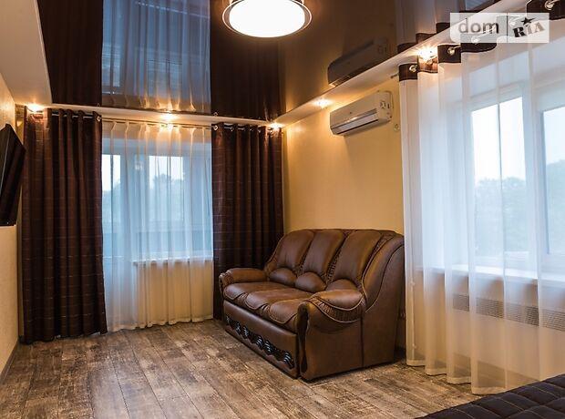 однокімнатна квартира в Кіровограді, район Центр, на вул. Пашутінська 1, в оренду на короткий термін подобово фото 1