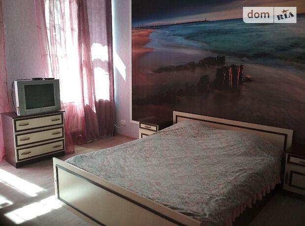 однокімнатна квартира в Кіровограді, район Центр, на Чмиленко 73, в оренду на короткий термін подобово фото 1