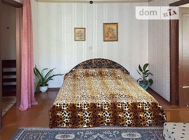двухкомнатная квартира в Кременчуге, на Гагарино 28, в аренду на короткий срок посуточно фото 1