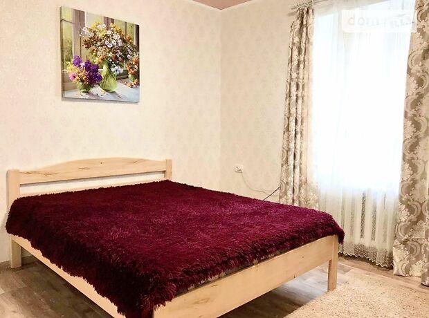 двухкомнатная квартира в Кропивницком, район Центр, на пер. Шевченко 47 в аренду на короткий срок посуточно фото 1