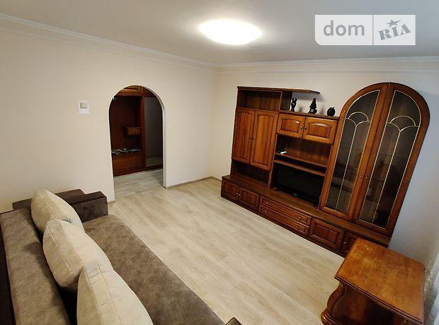 трехкомнатная квартира в Луцке, район 40 микрорайон, на Соборности проспект 6, в аренду на короткий срок посуточно фото 1