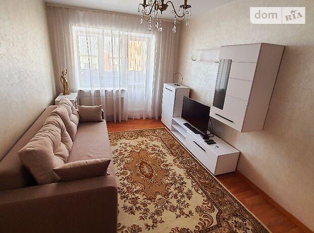двухкомнатная квартира в Луцке, район Центр, на ул. Градный Спуск 7 в аренду на короткий срок посуточно фото 1