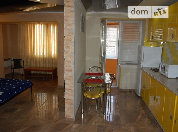 однокомнатная квартира в Лутугине, в аренду на короткий срок посуточно фото 1