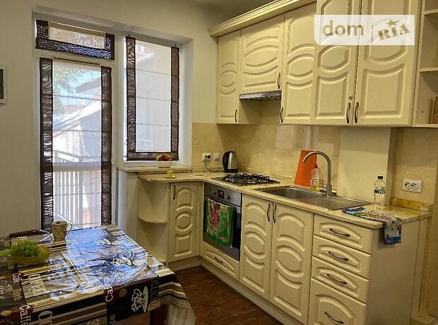 двухкомнатная квартира в Львове, район Галицкий, на ул. Сечевых Стрельцов 10, в аренду на короткий срок посуточно фото 1